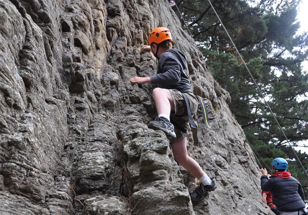Breakaway_rockclimbing